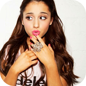 Ariana Grande pink műköröm