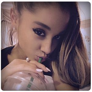 Ariana grande rózsaszín műköröm